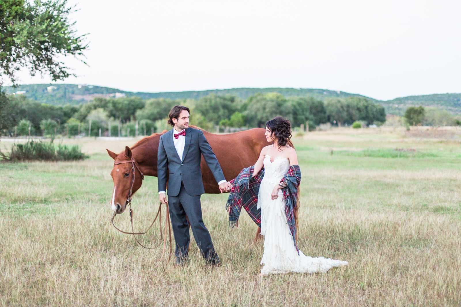 WeddingCouplewithHorse
