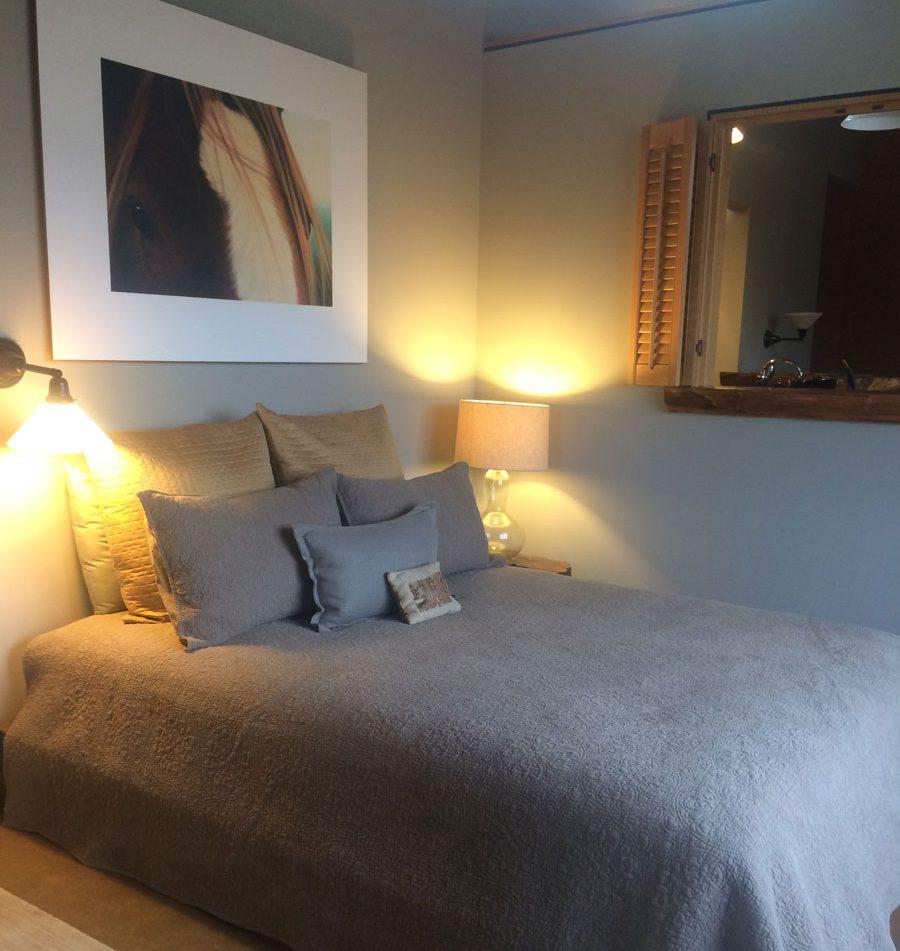 bedroom-stable